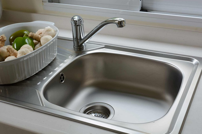 What is good to unclog the kitchen sink?