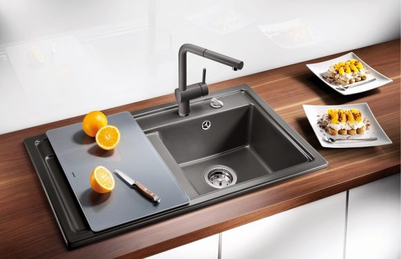 How to unclog a kitchen and bathroom sink?