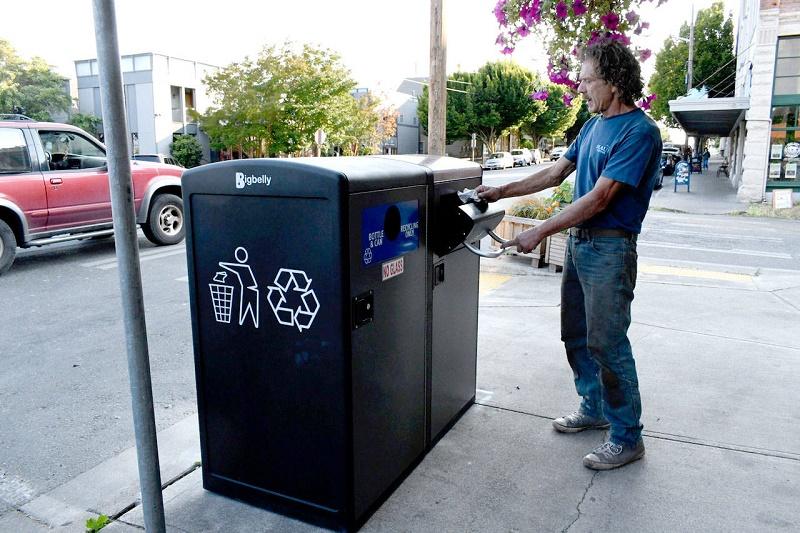 UPP Trash compactor