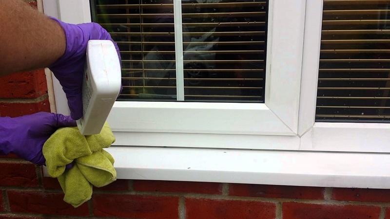 clean PVC windows