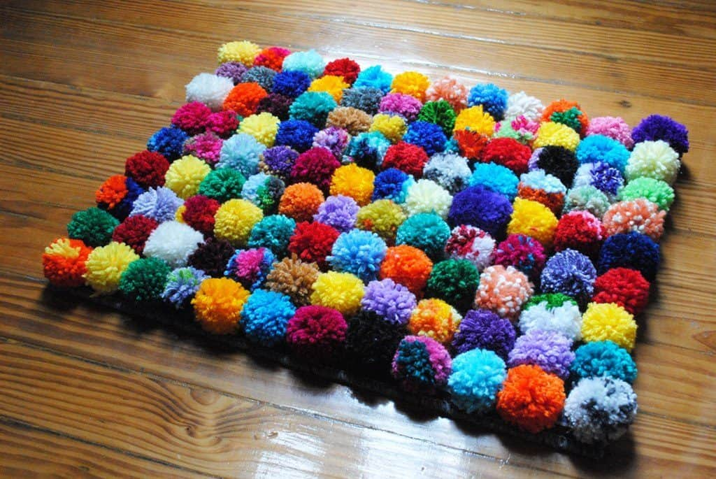Make your carpet of decorations