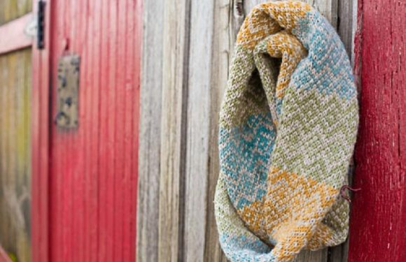How to make an infinity scarf on a loom
