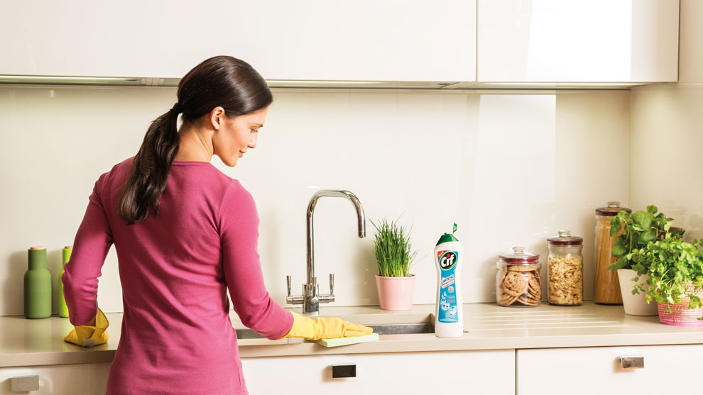 How to clean kitchen furniture