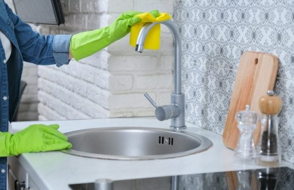 How to Clean Kitchen Sink Drain Pipe With Natural Ingredients?