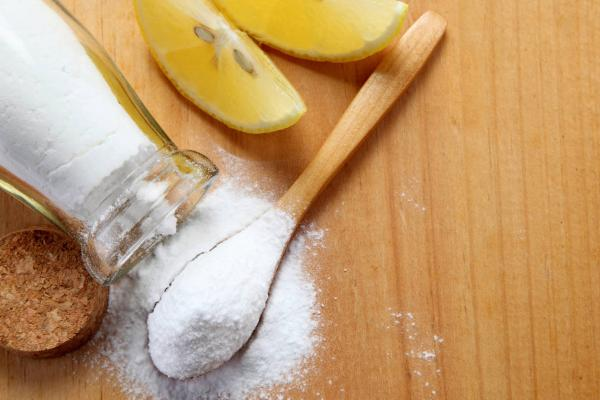 Baking soda and lemon for whitening