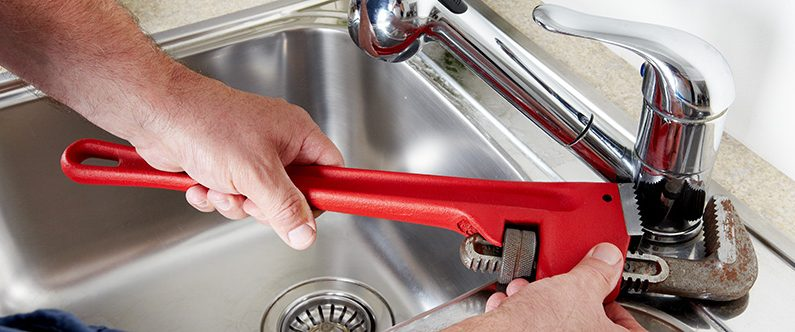 How to tighten kitchen faucet? 2 different easy tricks