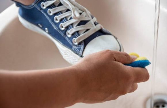 How to whiten shoe soles and make it shiny