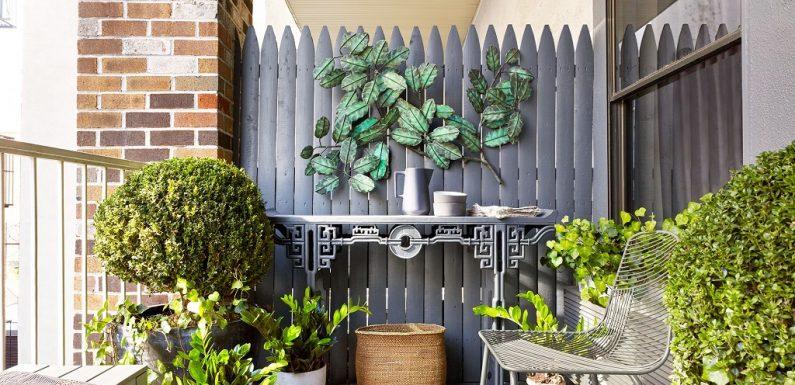 6 Stylish Condo Balcony Décor Ideas